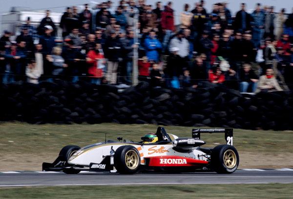 2003 British Formula Three ChampionshipSnetterton, England. 19th - 20th April 2003.Race winner Alan van der Merwe (Carlin Motorsport), action.World Copyright: Glenn Dunbar/LAT Photographicref: 35mm Image