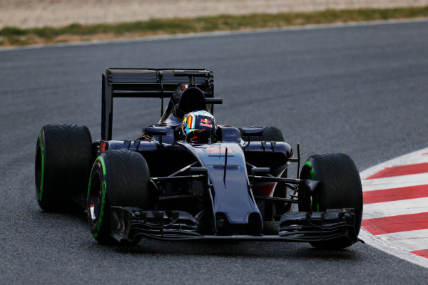 Circuit de Catalunya, Barcelona, Spain Monday 22 February 2016. Carlos Sainz Jr, Toro Rosso STR11 Ferrari. World Copyright: Alastair Staley/LAT Photographic ref: Digital Image _R6T6494