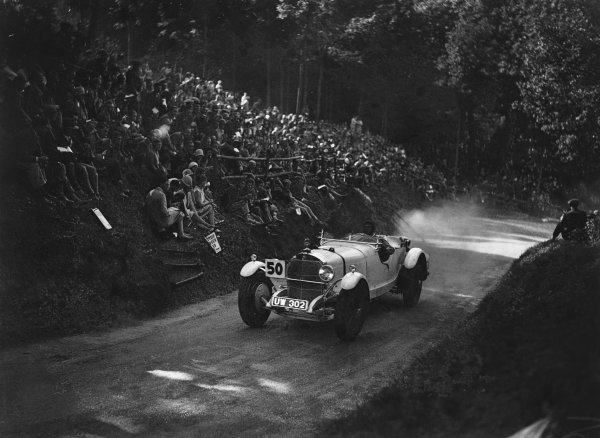 1929 MAC Shelsley Walsh Hill Climb. Shelsley Walsh, Worcestershire, England. September 1929. Earl Howe, Mercedes, action.  World Copyright: LAT Photographic.  Ref:  Autocar Glass Plate B2648.