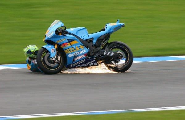 2007 Moto GP British Grand Prix.Donington Park, England.22nd-24th June 2007.Chris Vermeulen (Rizla Suzuki Moto GP, Suzuki GSV-R XRG0) high-siding in craner curves. Action, sequence, crash, sparks.World Copyright: Kevin Wood/LAT Photographicref: Digital Image IMG_5037