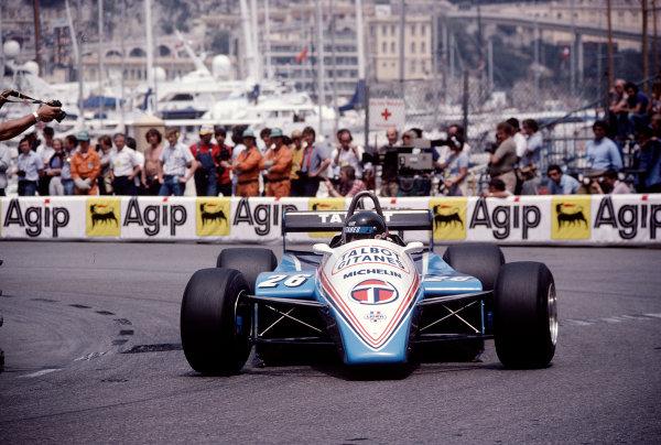 1982 Monaco Grand Prix.Monte Carlo, Monaco.20-23 May 1982.Jacques Laffite (Ligier JS19 Matra).Ref-82 MON 87.World Copyright - LAT Photographic