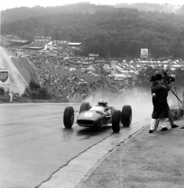 1966 Belgian Grand Prix.Spa-Francorchamps, Belgium. 12 June 1966.John Surtees, Ferrari 312, 1st position, action.World Copyright: LAT PhotographicRef: 34868