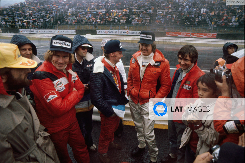 Fuji, Japan. 22 - 24 October 1976.(L-R) James Hunt (McLaren Ford), Niki Lauda (Ferrari), Ronnie Peterson (March Ford) and Jean-Pierre Jarier (Shadow Ford), portrait. World Copyright: LAT Photographic.Ref: 76JAP26.