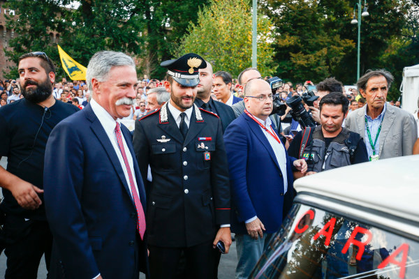 Autodromo Nazionale di Monza, Italy. Thursday 31 August 2017. Chase Carey, Chairman, Formula One, at the parade in Milan. World Copyright: Andy Hone/LAT Images  ref: Digital Image _ONY4786