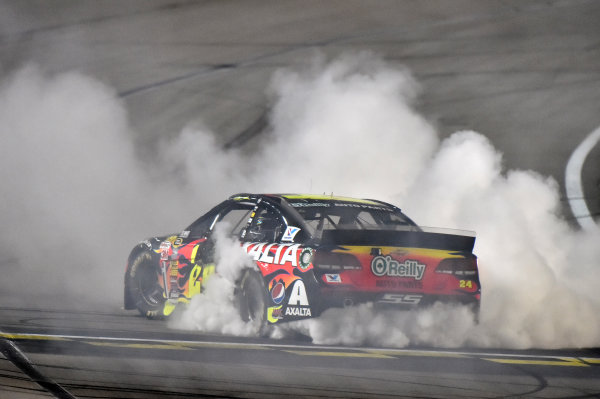 9-10 May, 2014, Kansas City, Kansas USA Jeff Gordon celebrates his win with a burnout © 2014, Nigel Kinrade LAT Photo USA