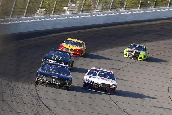 #21: Matt DiBenedetto, Wood Brothers Racing, Ford Mustang #FordStrong Technicians, #11: Denny Hamlin, Joe Gibbs Racing, Toyota Camry FedEx Ground
