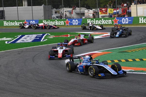 Guanyu Zhou (CHN, Uni-Virtuosi Racing), leads Robert Shwartzman (RUS, Prema Racing), and Oscar Piastri (AUS, Prema Racing)
