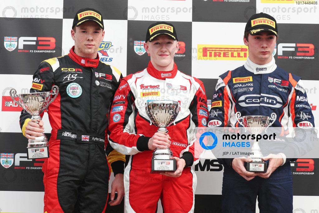 Ayrton Simmons (GBR) Chris Dittmann Racing BRDC F3, Johnathan Hoggard (GBR) Fortec Motorsports BRDC F3 and Clement Novalak (GBR) Carlin BRDC F3