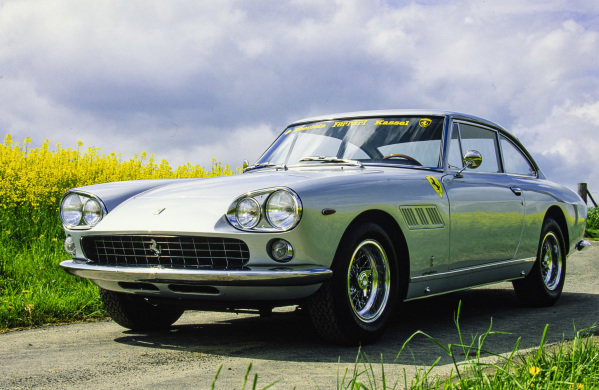 Ferrari 330 GT 2+2, 1964