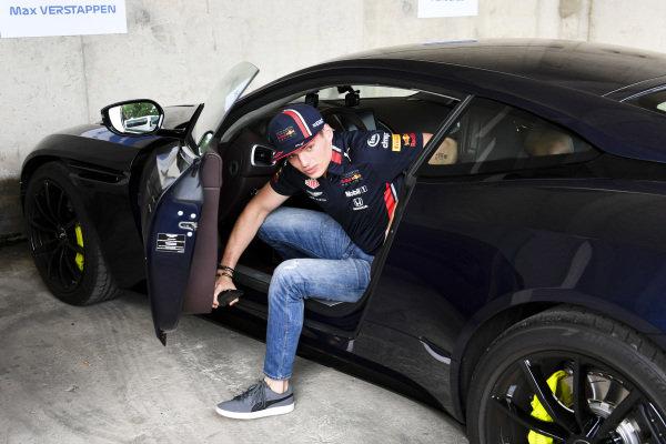 Max Verstappen, Red Bull Racing arrives