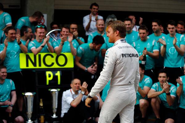 Shanghai International Circuit, Shanghai, China. Sunday 17 April 2016. Nico Rosberg, Mercedes AMG, 1st Position, celebrates with his team. World Copyright: Andy Hone/LAT Photographic ref: Digital Image _ONY5782