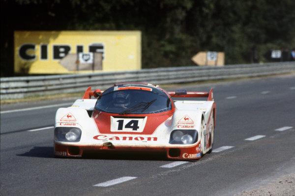 Le Mans, France. 18-19 June 1983.Jonathan Palmer/Jan Lammers/Richard Lloyd (Porsche 956), 8th position, action. World Copyright: LAT Photographic.Ref:  83LM05