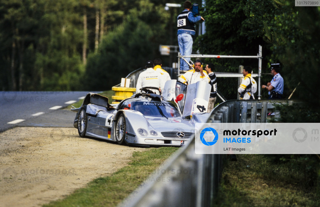 The remains of the Mercedes-Benz CLR driven by Mark Webber, Jean-Marc Gounon and Marcel Tiemann following the flip that put it out of the race.
