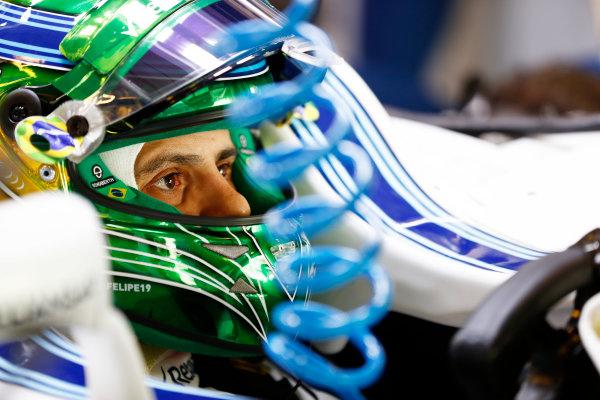 Yas Marina Circuit, Abu Dhabi, United Arab Emirates. Friday 24 November 2017. Felipe Massa, Williams FW40 Mercedes, sits in his car in the garage. World Copyright: Glenn Dunbar/LAT Images  ref: Digital Image _X4I5754