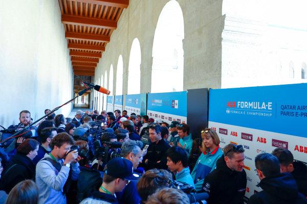 Media Pen for the Paris ePrix with Andre Lotterer (BEL), TECHEETAH, Renault Z.E. 17, Ma Qing Hua (CHI), NIO Formula E Team, reserve driver, and Maro Engel (GER), Venturi Formula E, Venturi VM200-FE-03.
