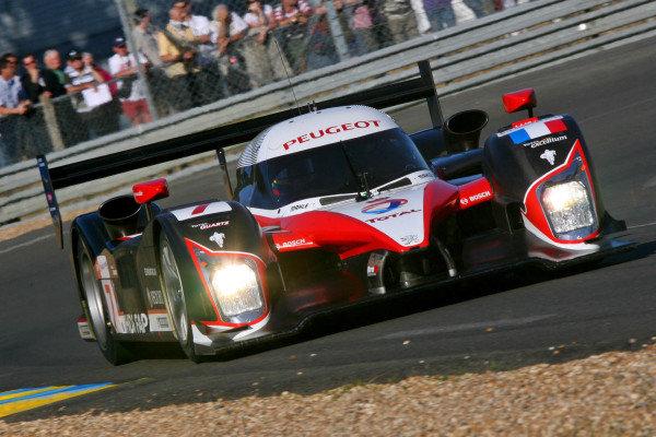 Jacques Villeneuve (CDN) Team Peugeot Total Peugeot 908 HDi-FAP. Le Mans 24 Hours Qualifying, Le Mans, France, 10 June 2008.