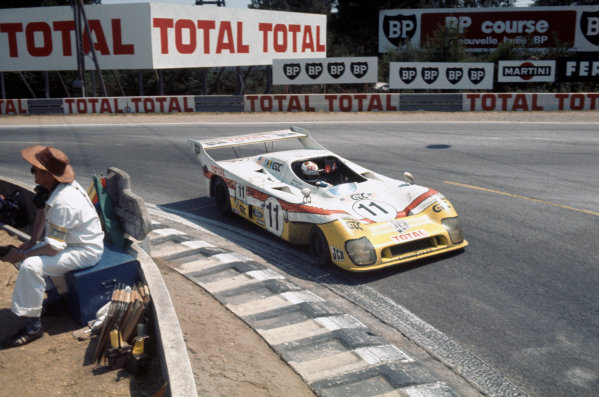 Le Mans, France. 12 - 13 June 1976. Derek Bell/Vern Schuppan (Mirage GR8-Ford), 5th position, action.  World Copyright: LAT Photographic Ref: 76LM06