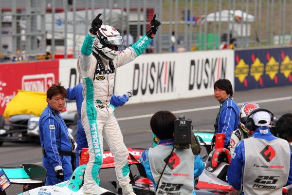 Twin Ring Motegi, Motegi, Japan 12th - 13th May 2012. Rd 2. Winner Andre Lotterer ( #36 PETRONAS TEAM TOM'S ) Parc Ferme World Copyright: Yasushi Ishihara/LAT Photographic ref: Digital Image 2012FN_R2_007