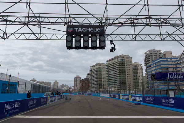 2015/2016 FIA Formula E Championship. Punta del Este ePrix, Punta del Este, Uruguay. Friday 18 December 2015. A view of the start/finish straight. Photo: Zak Mauger/LAT/Formula E ref: Digital Image _L0U5963