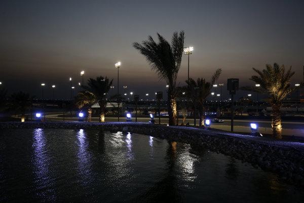 2015 FIA World Endurance Championship, Bahrain International Circuit, Bahrain. 19th - 21st November 2015. Lucas Di Grassi / Loic Duval / Oliver Jarvis Audi Sport Team Joest Audi R18 e-tron quattro. World Copyright: Jakob Ebrey / LAT Photographic.