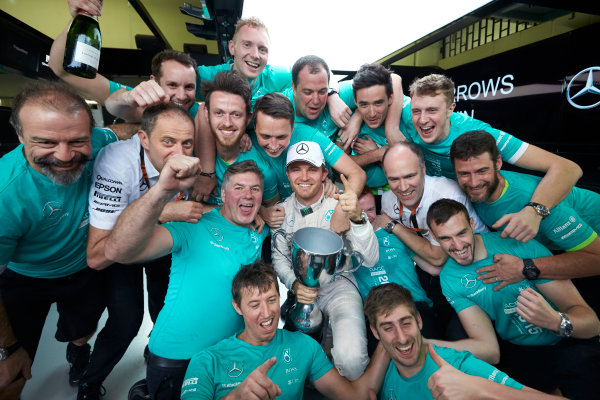 Interlagos, Sao Paulo, Brazil. Sunday 15 November 2015. Nico Rosberg, Mercedes AMG, 1st Position, and the Mercedes team celebrate victory. World Copyright: Steve Etherington/LAT Photographic ref: Digital Image SNE13181