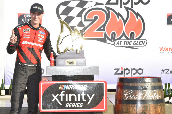 #22: Joey Logano, Team Penske, Ford Mustang Snap On, celebrates in Victory Lane.