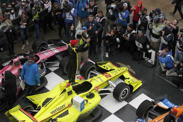 Simon Pagenaud, Team Penske Chevrolet celebrates in victory lane