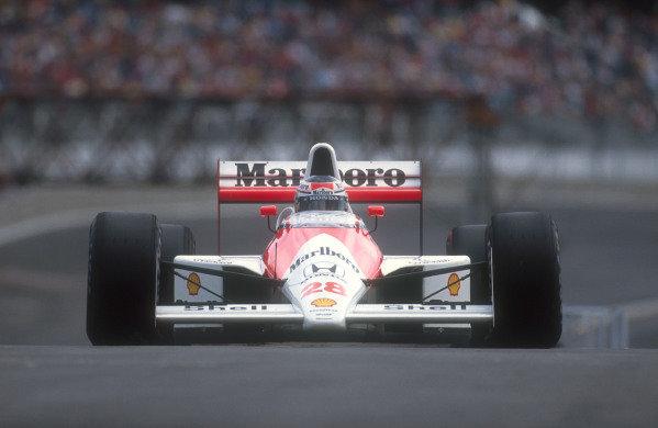 1990 Brazilian Grand Prix.Interlagos, Sao Paulo, Brazil.23-25 March 1990.Gerhard Berger (McLaren MP4/5B Honda) 2nd position.Ref-90 BRA 05.World Copyright - LAT Photographic