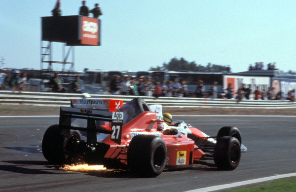 Nigel Mansell, Ferrari 640, collides with Ayrton Senna, McLaren MP4-5 Honda