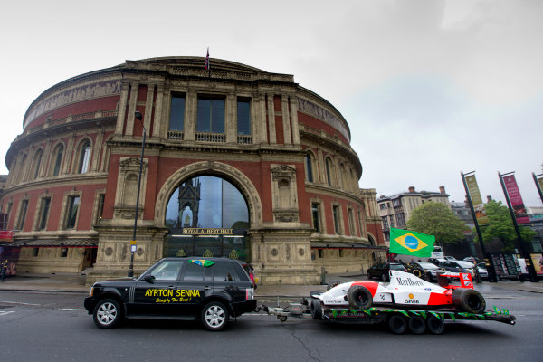 2014 Ayrton Senna Tribute. Royal Albert Hall, Kensington Gore, London. 1st May 2014. Peter Ratcliffe parades a replica 1993 Ayrton Senna McLaren around the streets of London. World Copyright: Alastair Staley / LAT Photographic. Ref: _R6T0422.jpg