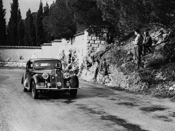 Monte Carlo, Monaco. 22nd January - 29th January 1950.Marcel Becquart / H Secret ( Hotchkiss 3435), 1st position, action.World Copyright: LAT Photographic.Ref: Autocar Glass Plate C26057