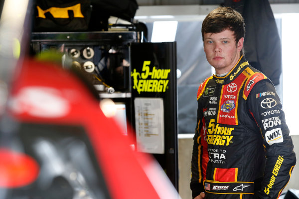 2017 Monster Energy NASCAR Cup Series STP 500 Martinsville Speedway, Martinsville, VA USA Friday 31 March 2017 Erik Jones, 5-hour Energy Extra Strength Toyota Camry World Copyright: Matthew T. Thacker/LAT Images ref: Digital Image 17MART11029