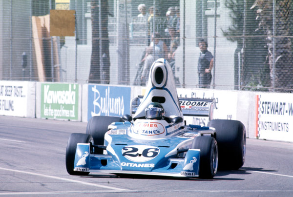 Long Beach, California, USA. 28 March 1976.Jacques Laffite, Ligier JS5-Matra, 4th position.World Copyright: LAT Photographic.Ref-35mm Image