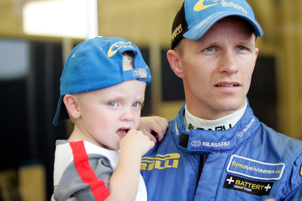 2004 FIA World Rally Champs. Round eleven, Rally Japan.2nd-5th September 2004.Petter Solberg, Subaru, portait with Son OliverWorld Copyright: McKlein/LAT
