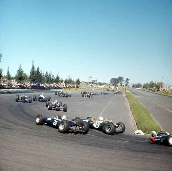 Mexico City, Mexico.22-24 October 1965.The field in the hairpin.Ref-3/1870.World Copyright - LAT Photographic