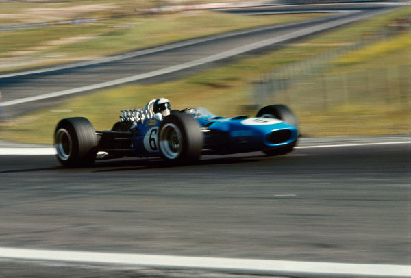 Jarama, Spain. 12 May 1968. Rd 2. Jean-Pierre Beltoise (Matra MS10-Ford), 5th position, action. World Copyright: LAT Photographic. Ref: 68ESP11.