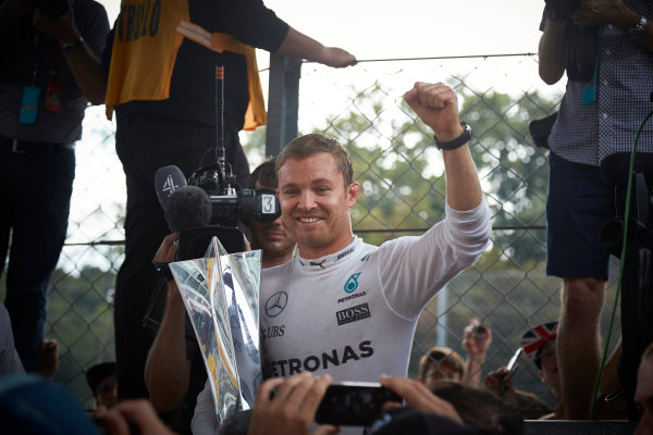 Autodromo Nazionale di Monza, Italy  Sunday 4 September 2016. Nico Rosberg, Mercedes AMG, 1st Position, celebrates with his trophy. World Copyright: Steve Etherington/LAT Photographic ref: Digital Image SNE18244
