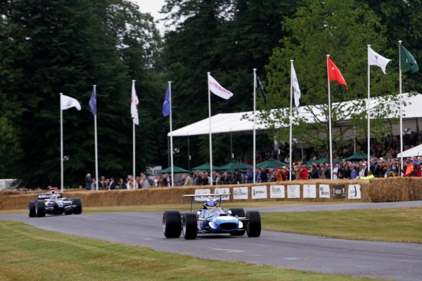 2006 Goodwood Festival of Speed  Goodwood, Great Britain. 7th - 9th July 2006. Nico Rosberg leads Jackie Stewart in a Matra MS10. World Copyright: Gary Hawkins/LAT Photographic. ref: Digital Image Only.