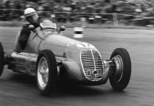 1951 British Grand Prix.Silverstone, Great Britain. 14 July 1951.Philip Fotheringham-Parker (Maserati 4CL). Ref-51/37 #29.World Copyright - LAT Photographic