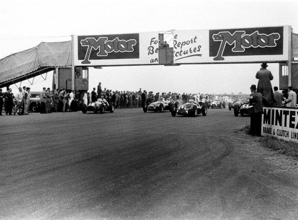1951 British Grand Prix.Silverstone, Great Britain. 14th July 1951.Left-to-right: Froilan Gonzalez (Ferrari 375), Juan Manuel Fangio, Giuseppe Farina (both Alfa Romeo 159) and Alberto Ascari (Ferrari 375) lead at the start.World Copyright: LAT Photographicref: 4217B/1