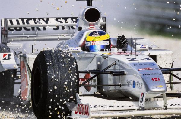 Ricardo Zonta, BAR 002 Honda, takes to the gravel.