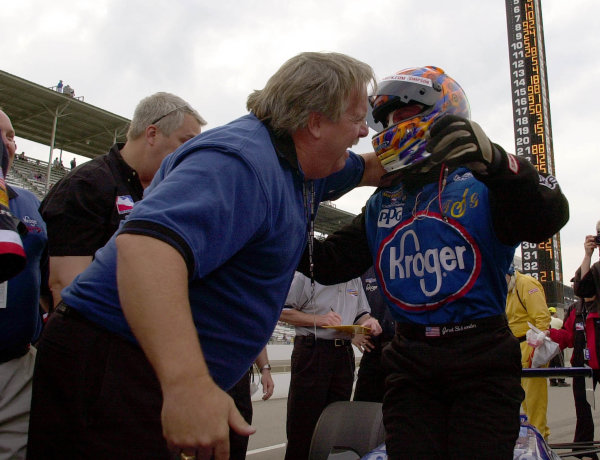 Jeret Schroeder receives a bear hug from car owner Larry Curry after bumping his way into the field.84th. Indianapolis 500, Indy Racing Northern Light Series, Indianapolis Motor Speedway, Speedway Indiana,USA 28 May,2000 -F Peirce Williams 2000 LAT PHOTOGRAPHIC