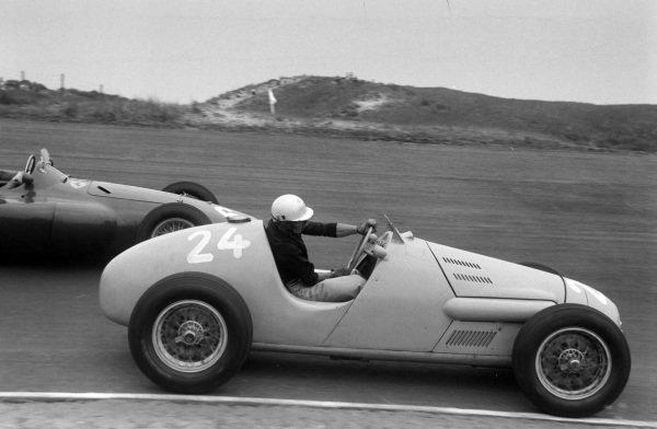 Jacques Pollet, Gordini T16, battles with Eugenio Castellotti, Ferrari 555.