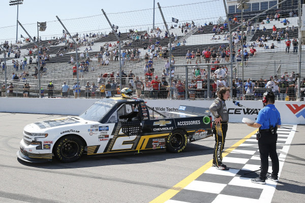 #2: Sheldon Creed, GMS Racing, Chevrolet Silverado Chevy Accessories celebrates in victory lane after