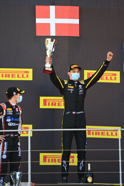 Christian Lundgaard (DNK, ART GRAND PRIX) celebrates on the podium with Louis Deletraz (CHE, CHAROUZ RACING SYSTEM)