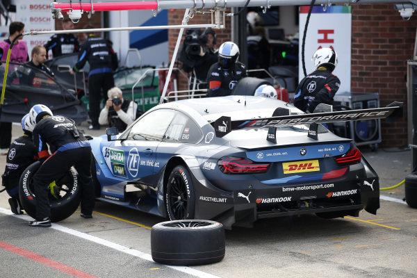 Pit stop, Philipp Eng, BMW Team RBM, BMW M4 DTM.