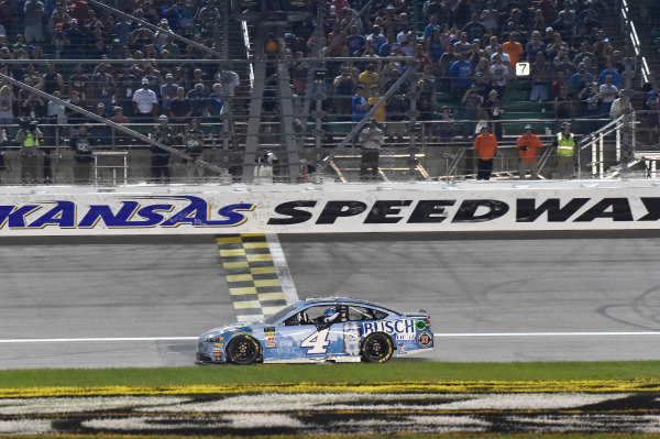 #4: Kevin Harvick, Stewart-Haas Racing, Ford Fusion Busch Light celebrates his win