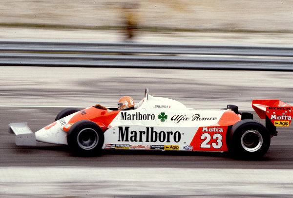 1981 French Grand Prix.Dijon-Prenois, France.3-5 July 1981.Bruno Giacomelli (Alfa Romeo 179C) 15th position.Ref-81 FRA 30.World Copyright - LAT Photographic