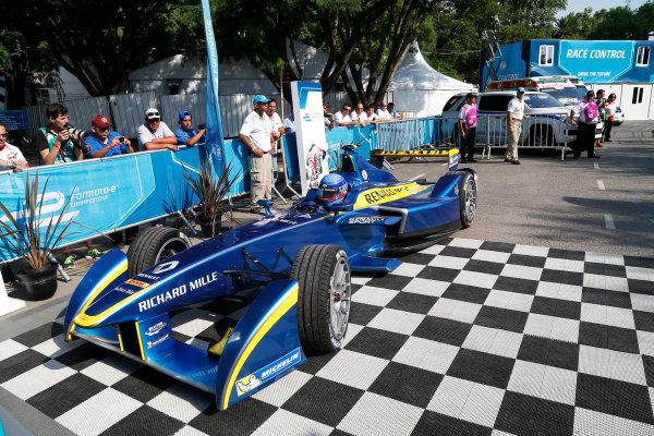 Buenos Aires e-Prix Race. Nicolas Prost (FRA)/E.dams Renault - Spark-Renault SRT_01E  FIA Formula E World Championship. Buenos Aires, Argentina, South America. Saturday 10 January 2015.  Copyright: Adam Warner / LAT / FE ref: Digital Image _L5R7170