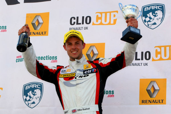 2014 Renault Clio Cup, Knockhill, Scotland. 22nd - 24th August 2014. Mike Bushell (GBR) VitalRacing with Team Pyro Renault Clio Cup. World Copyright: Ebrey / LAT Photographic.